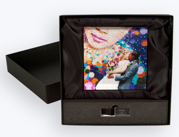 Acrylic square photo block with USB for crystal clear presentation